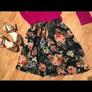 A-line floral skirt w/smocked waist